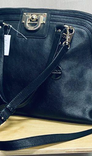 Handtasche v. DKNY